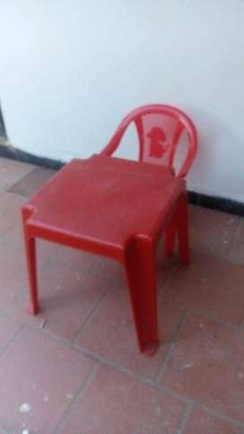 Mesa y silla plastica para niños