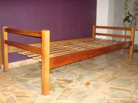 2 Camas de una plaza madera dura 2 x 0,86