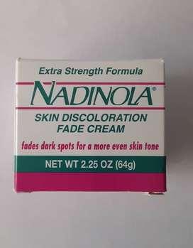 Crema anti envejecimiento Nadinola con Hidroquinona disminuye manchas