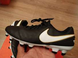 Botines Nike tiempo talle 39 nuevos