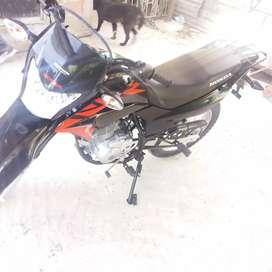 Vendo moto  honda XR 150  2020.