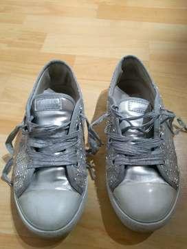 Vendo zapatillas Mimo & Co