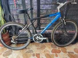 Vendó bicicleta todoterreno como Nueva.