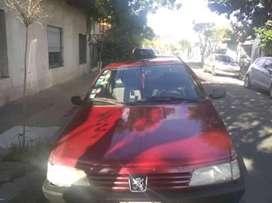 Vendo Peugeot 2000 stile anda perfecto solo detalles de pintura