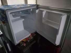 Minibar electrolux 47 lts