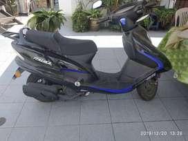 Vendo moto  Itálica sin uso con placa y casco