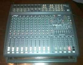 Consola Yamaha Emx2000
