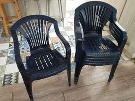 Juego de 5 sillas plásticas apilables