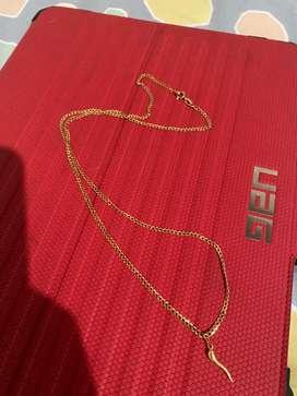 Hermosa cadena de oro italiano 750  tejido cubana    4.7 gramos    61 cms