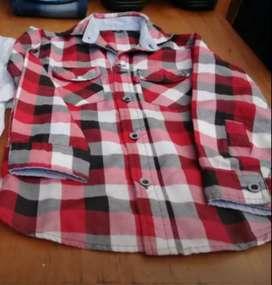 camisa niño talle 5 usada