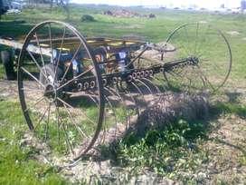 Rastrillo antiguo de campo