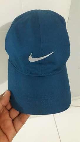 Vendo Gorra Nike Dri-fit