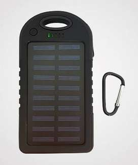 Cargador power bank. Carga solar