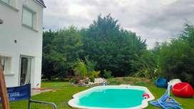 Magnífico Chalet estilo Francés moderno 4 dorm 4 baños quincho piscina