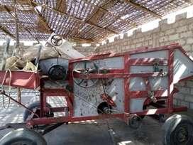 Trilladora de frejol más tractor fordson