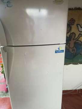 Vendo nevera electrolux no frost en excelente estado