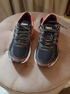 Zapatillas Nuevas Asics originales 35.5