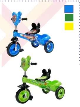 Triciclo a pedales infantil