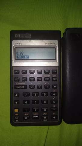 Se vende calculadora HP.
