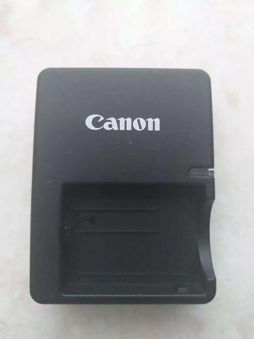 Cargador canon LC E5 0