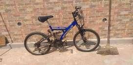 Bicicleta con cambios falta inflar las ruedas