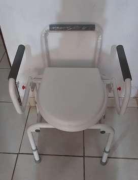 Vendo toilet portátil.