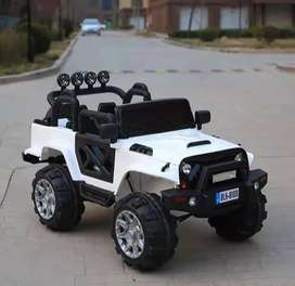 Montero Eléctrico 12V a Control Remoto Modelo 2021 diferentes colores  • Motor: 2 x 13 RPM .