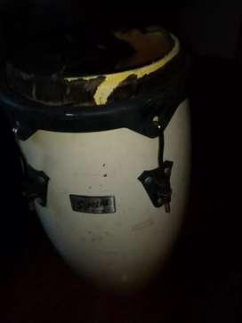 Tambor de candombe a reparar