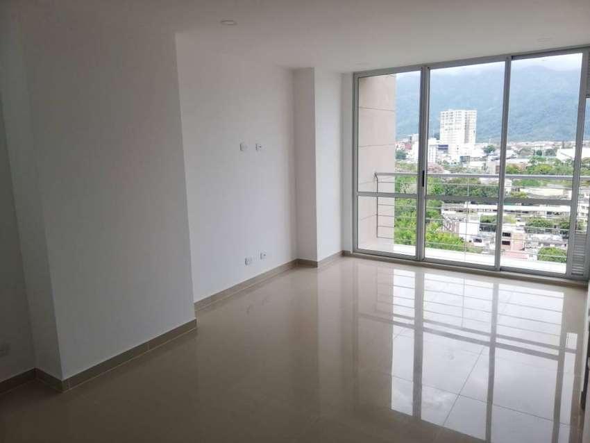 Hermoso apartamento NUEVO con gran vista a la ciudad, cerca a vías principales, zona tranquila y segura 0