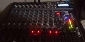 Vendo o permuto por moto equipo de sonido completo
