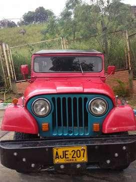 Vendo Jeep Willys económico buen estado papeles al día