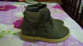 Botita,zapato escolar de cuero