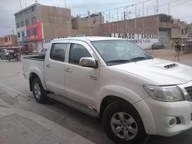 Vendo camioneta toyota Hilux 4x4 srv full equipo