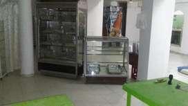 Vitrina para panadería , escabiladero y latas
