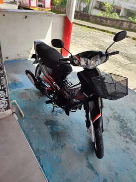 Vendo moto Suzuki Best 125 modelo 2015
