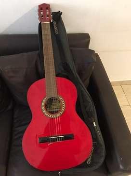 Guitarra criolla usada en perfecto estado