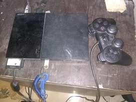 Se vende play 2  memoria 4 juegos 1 control