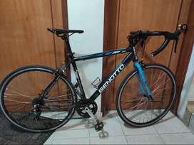 Bicicleta de ruta . Benotto Aluminio