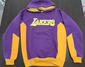 Buzo Lakers sin uso - Precio negociable