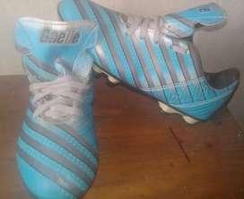 Vendo botines fútbol 11