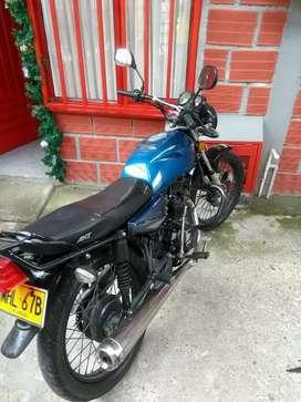 Vendo moto en buenas condiciones  bonita y económica aproveche  oferta