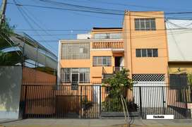 Vendo 2 casas En Miraflores (9 Habs, 5 Baños, 3 Cocheras)