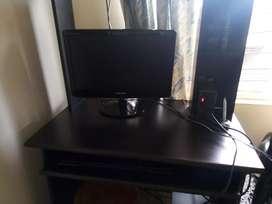 Vendo monitor, teclado y mueble