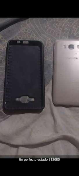 Vendo celular Samsung j7 2016 con funda y vidrio templado