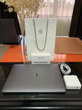 "Macbook Pro 13"" i5 8ram 128gb Modelo 2017 + Magic Mouse 2."