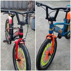 Vendo esta dos bicicleta aro 20 marca OYAMA