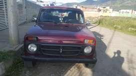 Carro niva 2001