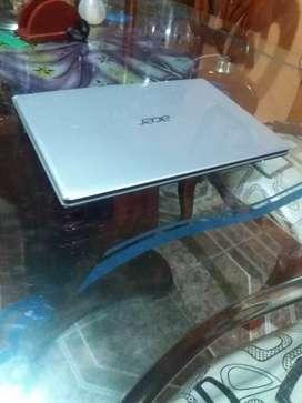 Se vende portatil Acer