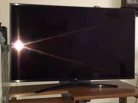 TV LG 55 PULGADAS - 4 MESES DE USO/GARANTIA VIGENTE - INCLUYE SOPORTE DE PARED Y ANTENA TDT