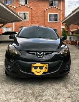 Mazda 2 automático 2013 negro diamante